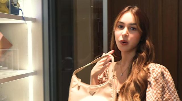 Julia Barretto designer bags