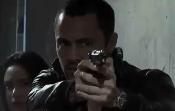 Derek Ramsay policeman