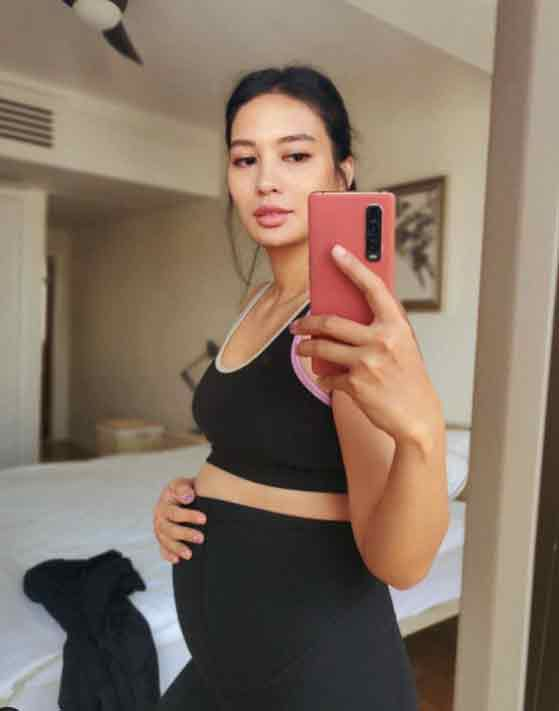 Isabelle Daza Pregnant with second baby