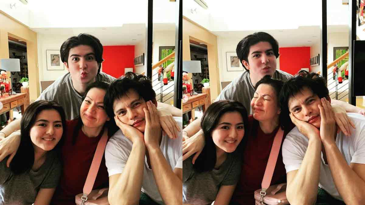 Mavy Legaspi and Cassy Legaspi with parents Carmina Villarroel and Zoren Legaspi