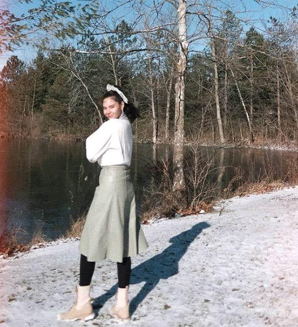 instagram: catriona gray photo in a pond
