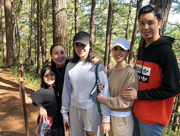 julia with family