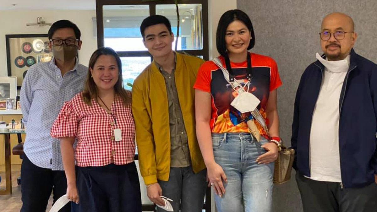 Andre Yllana in Viva Artists Agency with mom Aiko and Jay Khonghun