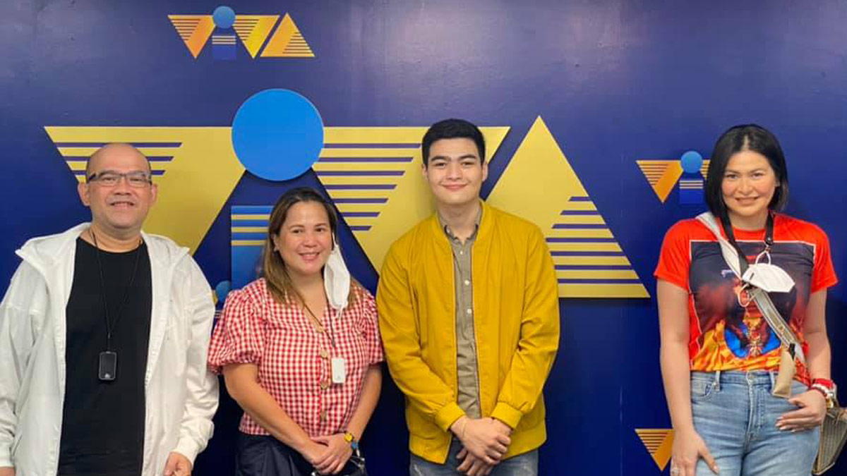 Aiko Melendez Andre Yllana contract signing