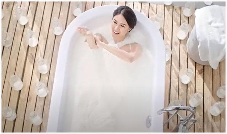 Heart Evangelista milk bath