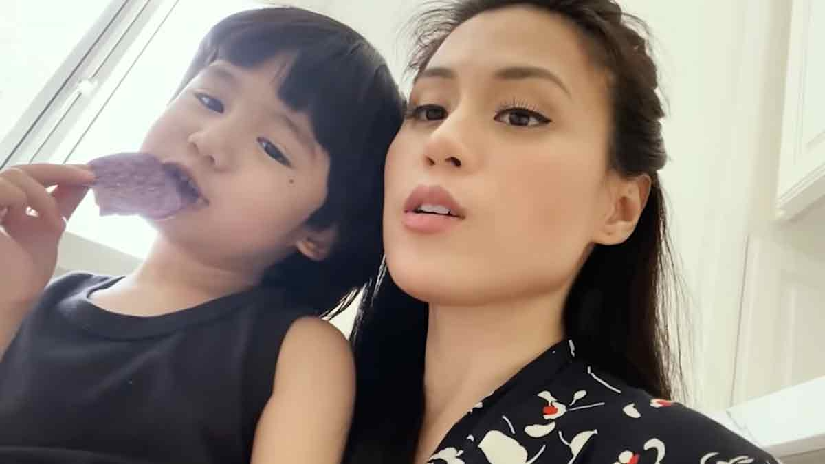 Toni Gonzaga and son Seve Soriano