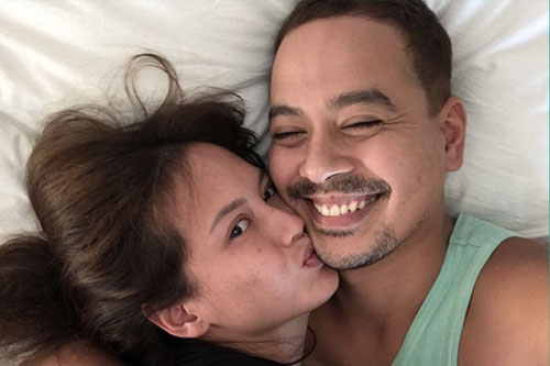 Ellen Adarna, John Lloyd Cruz kissing photo