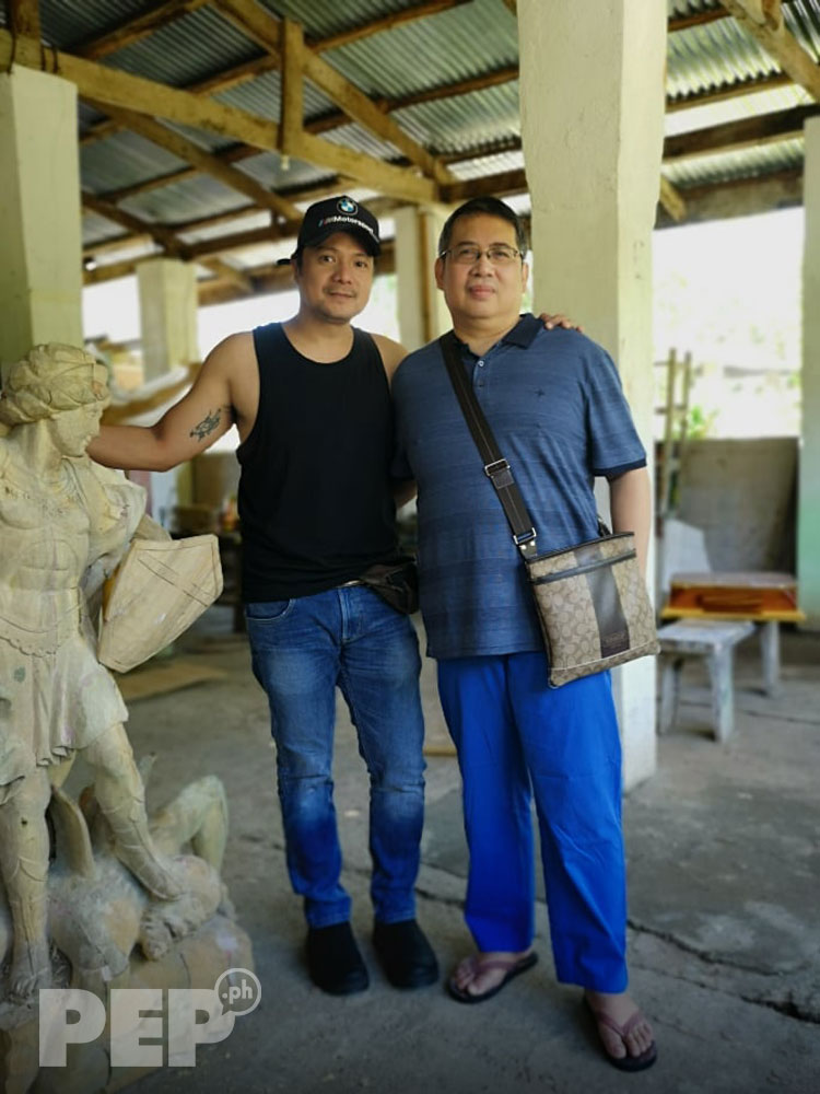 Leandro Baldemor with writer Jerry Olea