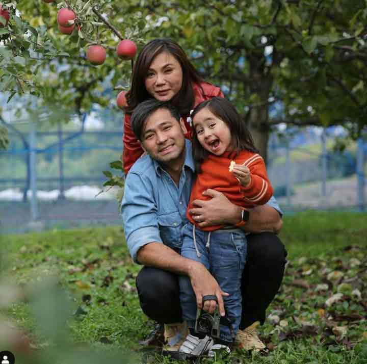 Kho Family: Hayden, Vicki, Scarlet Snow