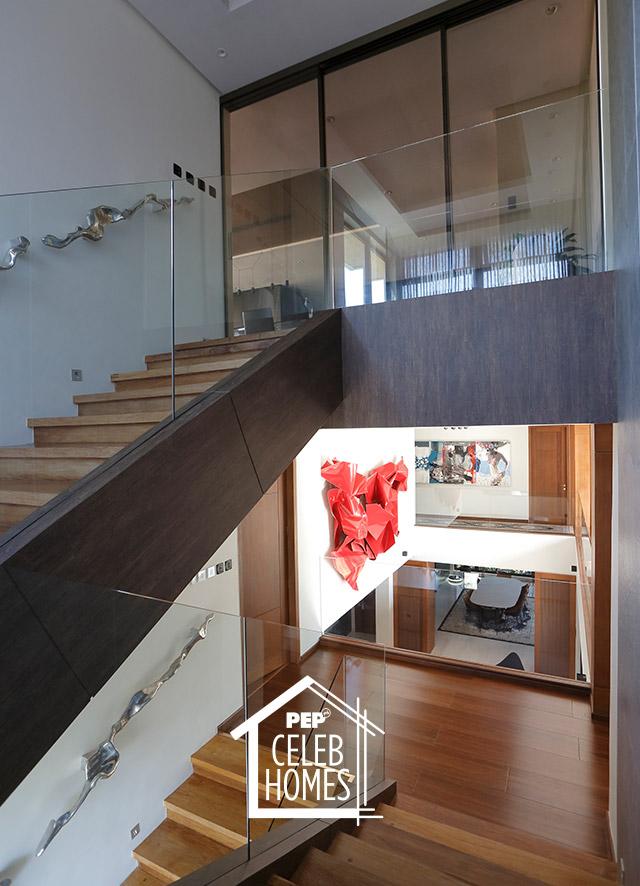 Derek Ramsay House: topmost floor interior