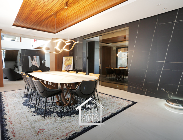 Derek Ramsay House: Kitchen and Dining area