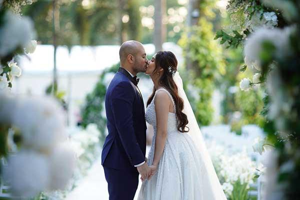 Empress Schuck, Vino Guingona wedding kiss