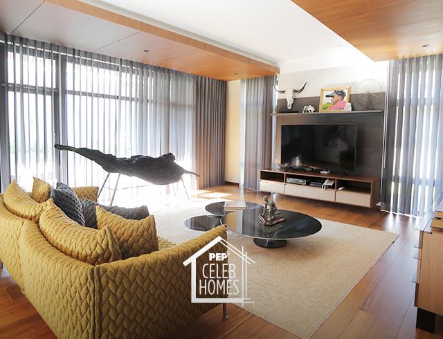 Derek Ramsay designer sofa: two-seater utilitarian Moroso Gentry Sofa