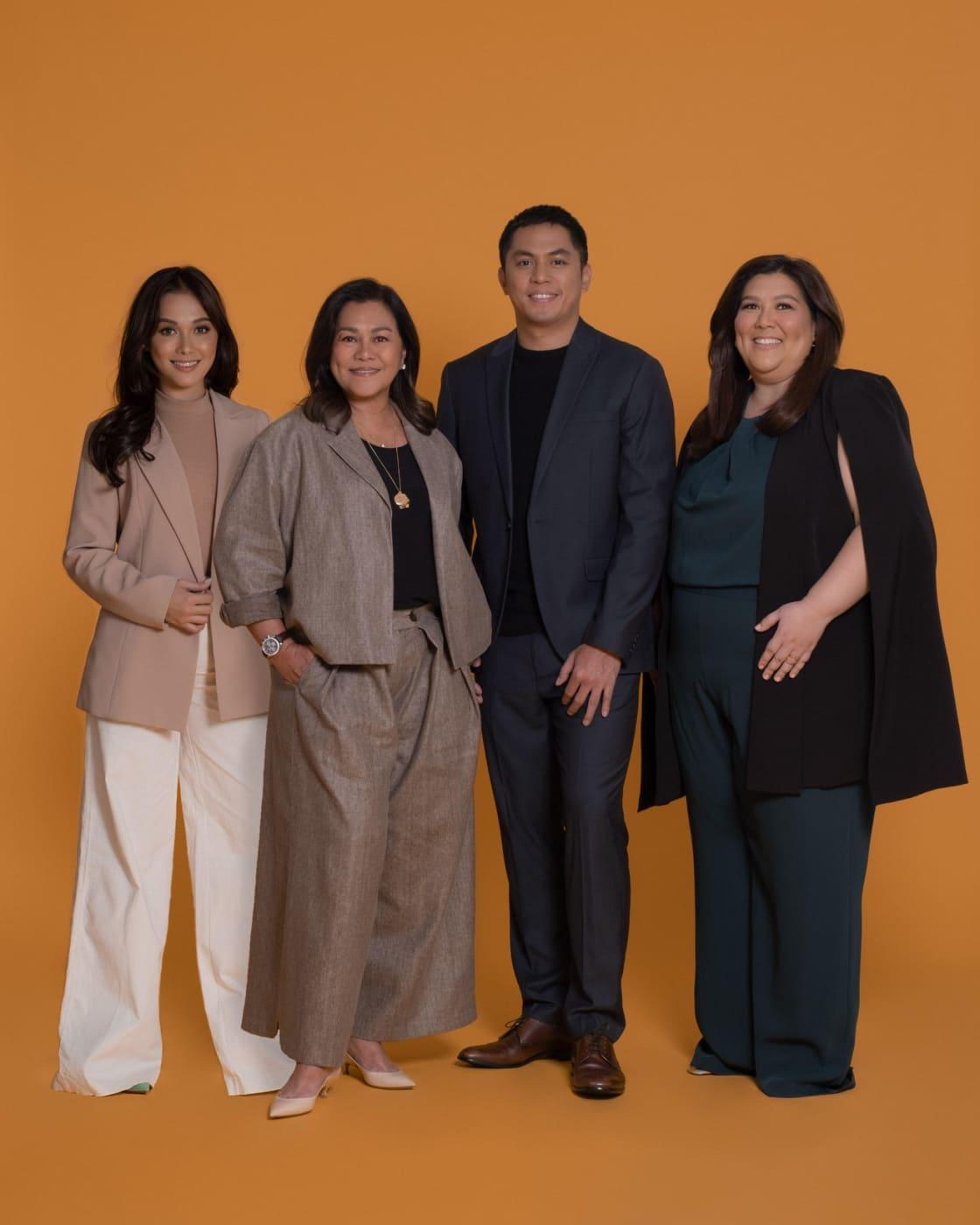 Maja Salvador with Crown Artist Management team