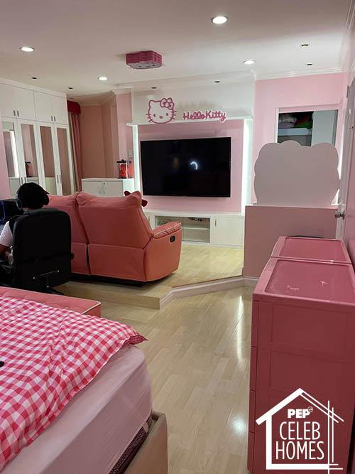 Ai Ai Delas Alas hello kitty bedroom