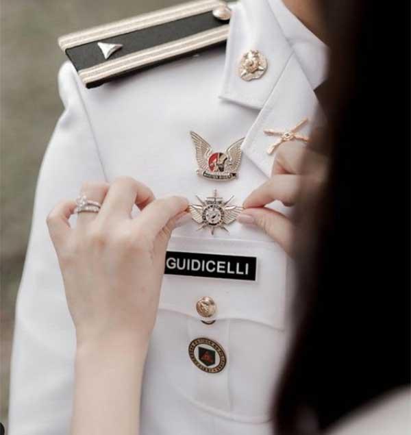 Matteo Guidicelli Philippine army reservist badge