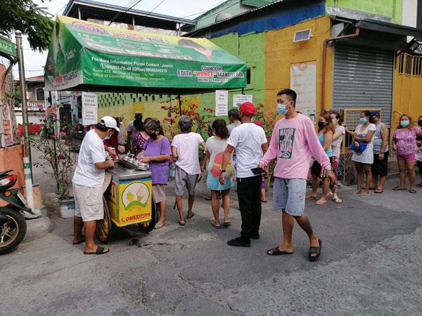 Free ice cream at Pasay Community pantry