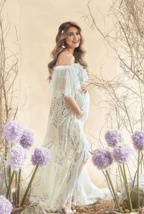Sam Pinto maternity shoot