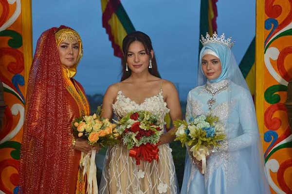 The three legal wives of Legal Wives (L-R) Alice Dixson, Andrea Torres, and Bianca Umali