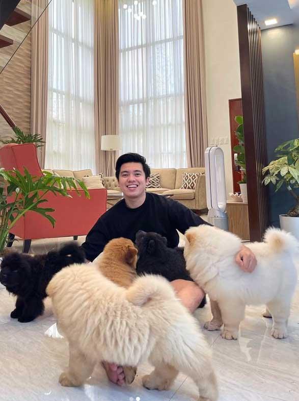 Kimpoy Feliciano living room