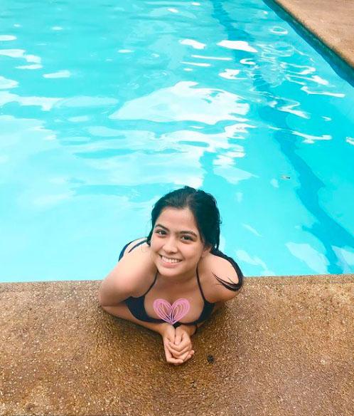 Alexa Ilacad swim