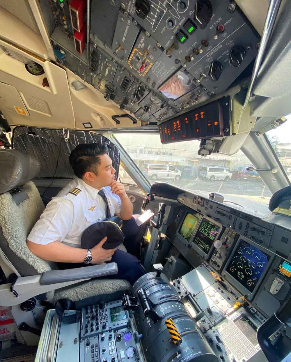 Pilot Mann Ed Demalata