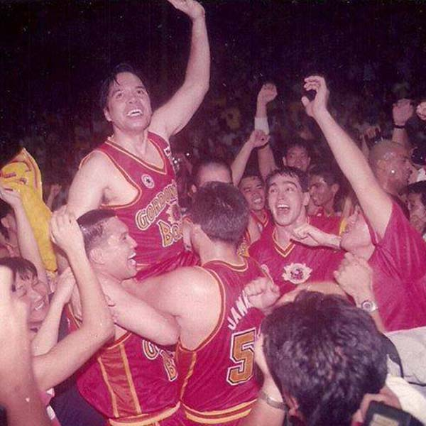 PBA living legend Robert Jaworski playing coach Barangay Ginebra