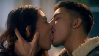 Torrid kissing scenes nina Angel Aquino at Tony Labrusca sa Glorious, umabot sa walo