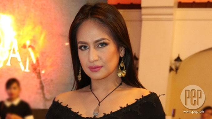 Regine Tolentino confirms separation from Lander Vera-Perez