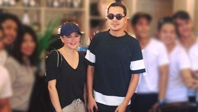 Ex-couple John Lloyd and Angelica spotted in Makati resto