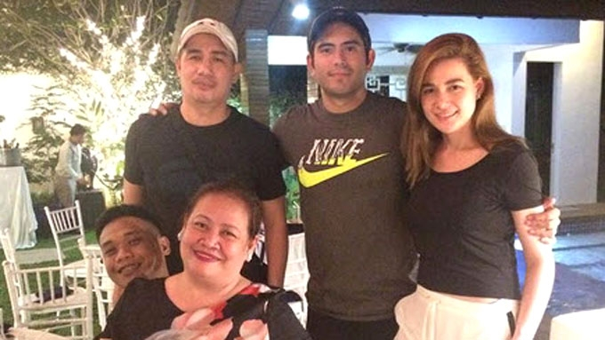 Gerald Anderson gets warm welcome from Bea Alonzo's family