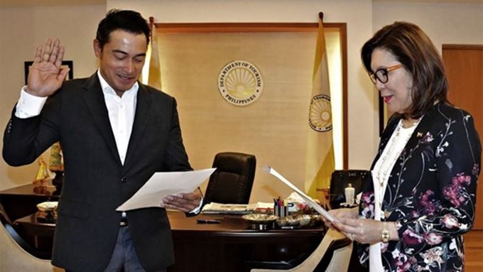 Cesar Montano officially joins Department of Tourism