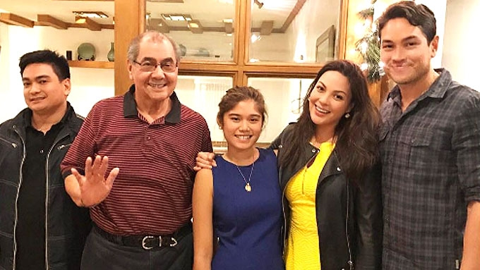 KC Concepcion joins Aly's Christmas dinner with family