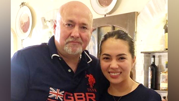 Julia Montes meets biological father for the first time