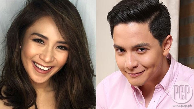 Sarah Geronimo takes a groufie with Alden Richards