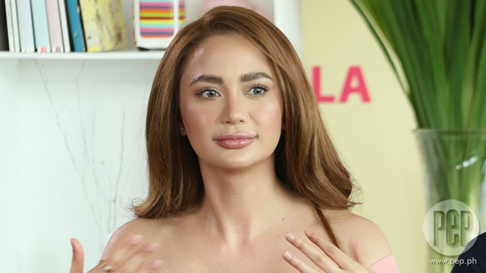 Is Arci Muñoz willing to be friends with her ex-boyfriend?