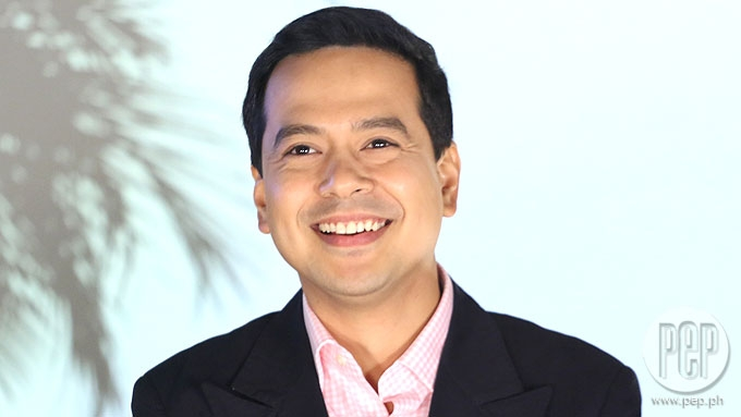 Johnny Manahan defends John Lloyd Cruz over viral videos