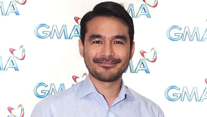 Atom Araullo is now officially a Kapuso
