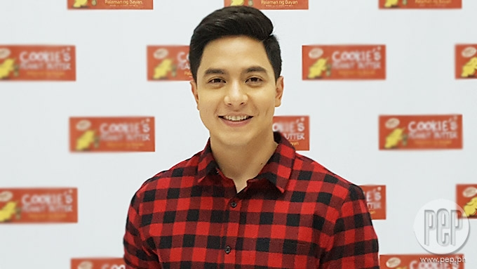 Alden Richards brings his family to Japan for Christmas