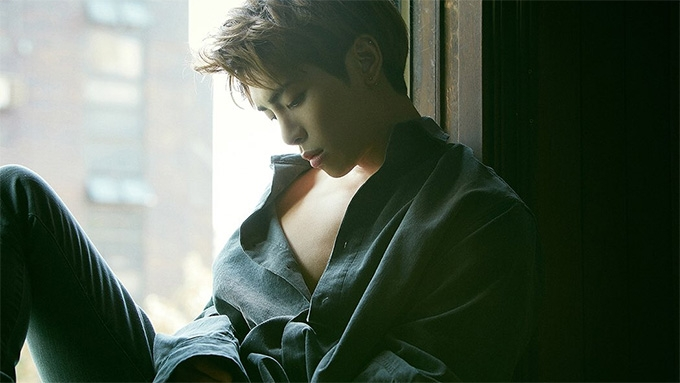 K-Pop stars mourn death of SHINee's Jonghyun