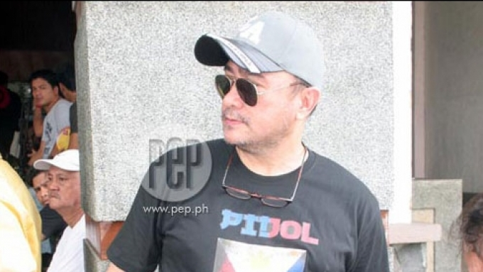 Rolly Quizon suffers stroke, comatose in hospital