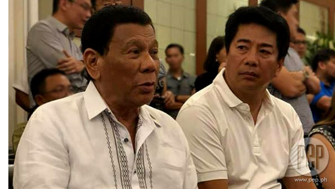 Willie spotted in serious conversation with Pres. Duterte