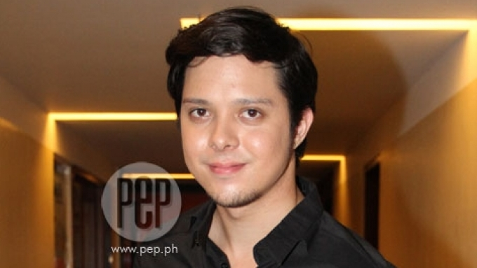 Frank Magalona arrested for allegedly pinching woman's butt