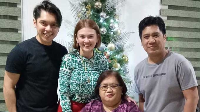 Angelica has kilig statement on Christmas photo with Carlo
