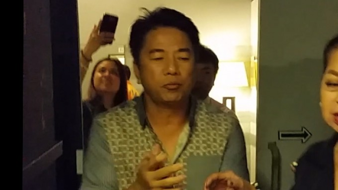 Willie Revillame surprised by staff