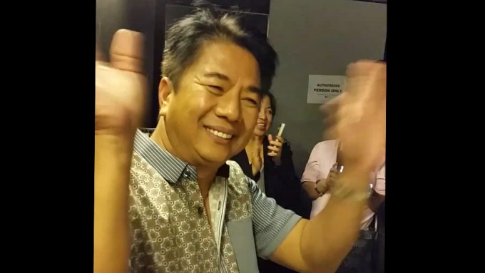 "Willie Revillame likens self to ""OFW"""