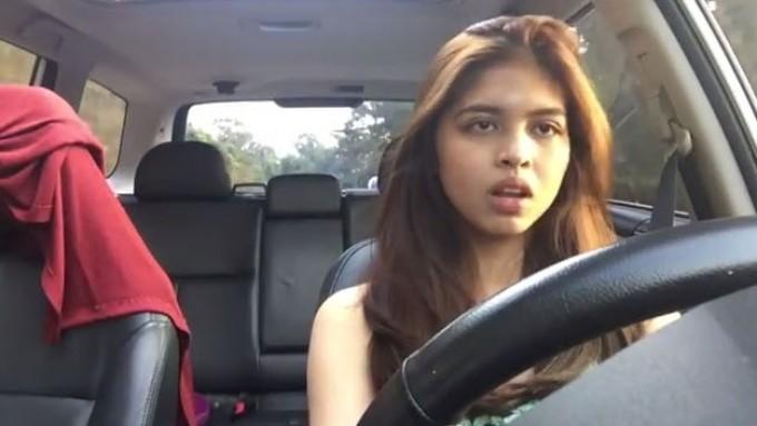 Watch Maine Mendoza Dubsmashing while driving