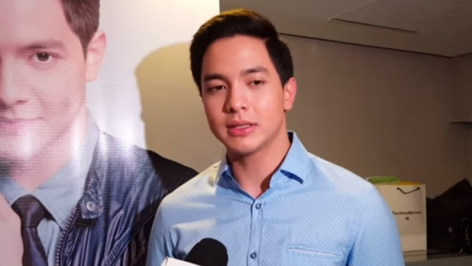 What would Alden give Maine as gift for their anniversary?