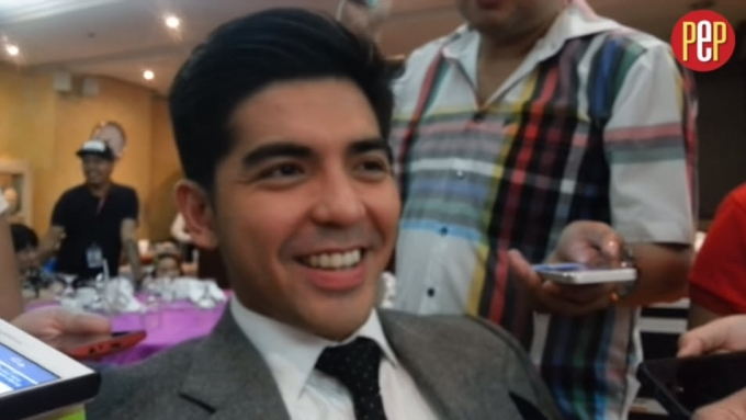 Mark Herras lets gf Winwyn Marquez do what she wants to do