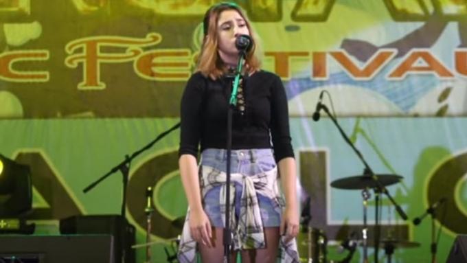 Sofia Romualdez performs Adele's 'Someone Like You'